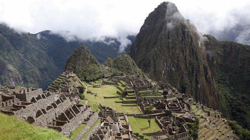 """Les autorités péruviennes considèrent comme un délit de """"lèse-culture"""" le fait de se dévêtir au Machu Picchu."""