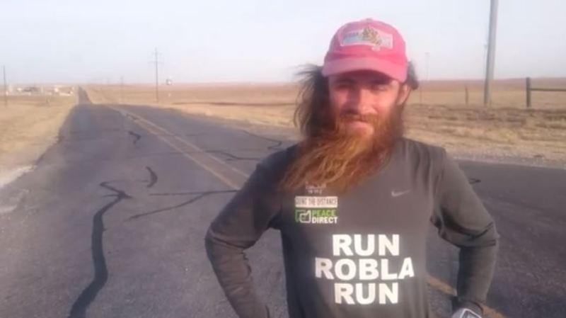 Même barbe, même itinéraire: il se prend pour Forrest Gump et traverse les Etats-Unis en courant