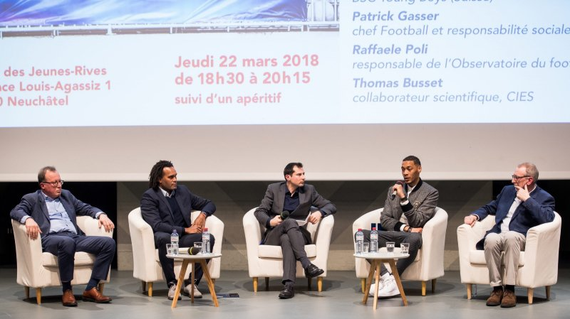 La table ronde s'est déroulée jeudi soir à l'aula des Jeunes-Rives de Neuchâtel.