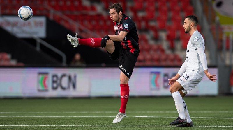 Charles-André Doudin (en rouge et noir) fait partie du noyau dur des joueurs du club.