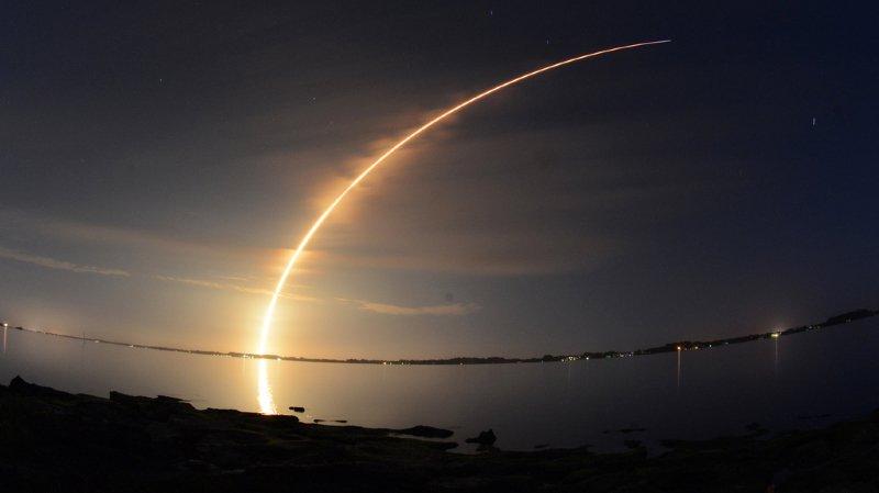 Le satellite Remove Debris sera ainsi lancé lundi soir par SpaceX (ici lors d'un lancement en 2010) depuis Cap Canaveral, en Floride.