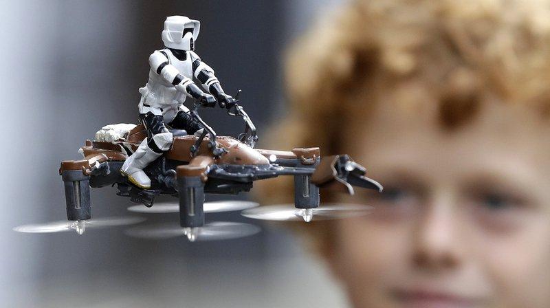 Les drones-jouets devraient également être enregistrés