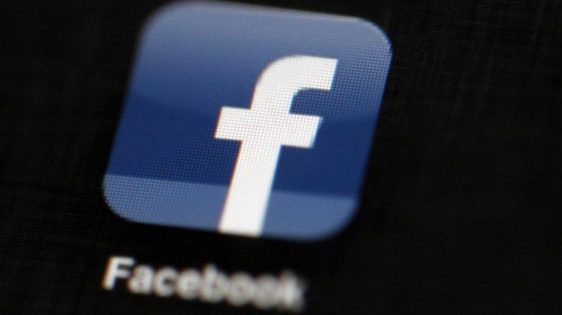 Facebook a également suspendu les accès de la maison mère de la société, Strategic Communication Laboratories (SCL).