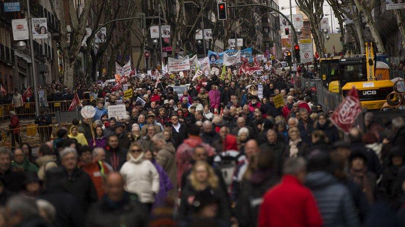Espagne: dizaines de milliers de manifestants pour défendre les retraites