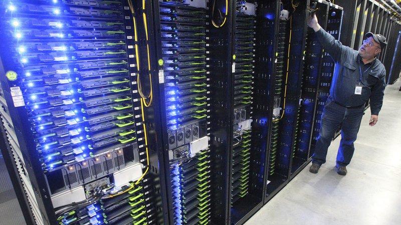 Facebook: appels téléphoniques et SMS enregistrés sans autorisation
