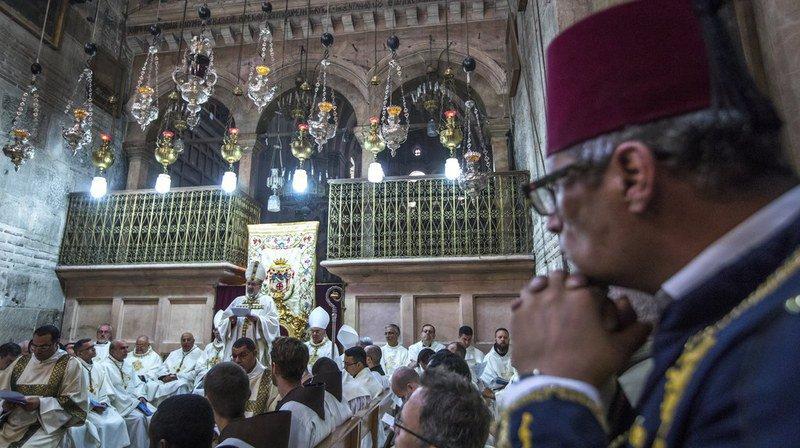 Pâques: les chrétiens ont afflué au Saint-Sépulcre à Jérusalem