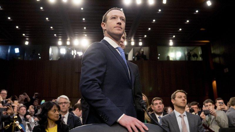 Le patron de Facebook Mark Zuckerberg a présenté mardi ses excuses personnelles et officielles devant le Sénat américain.