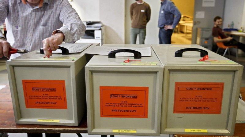 Genève: l'UDC et le MCG perdent plusieurs sièges au Grand Conseil, PLR et Verts gagnants, Maudet réélu