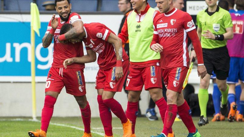 Carlitos, Cunha, Succar et Schneuwly jublient après le but valaisan.