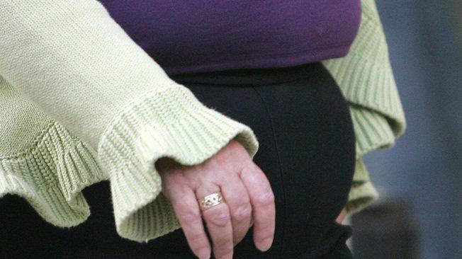 Les traitements hormonaux pris après la ménopause font fondre le ventre des femmes