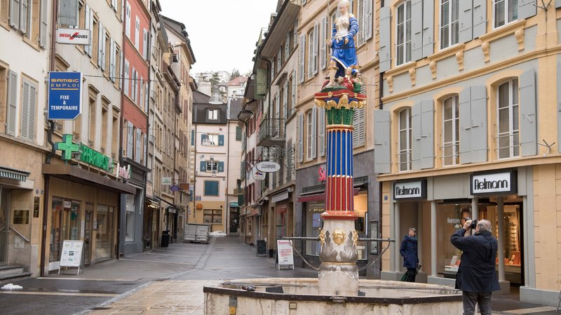 La Fontaine de la justice du centre ville de Neuchâtel a été restaurée