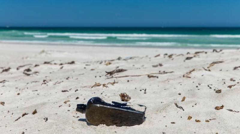 Australie: la plus ancienne bouteille à la mer a été découverte après 132 ans