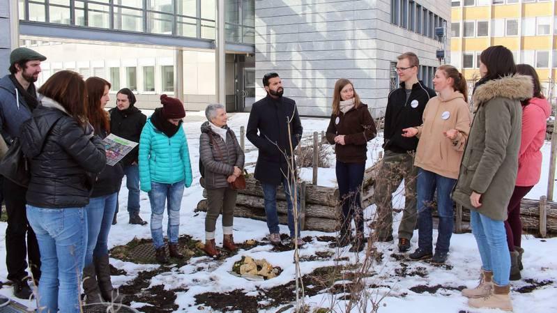 Neuchâtel: visite enneigée du jardin permacole à Uni-Mail