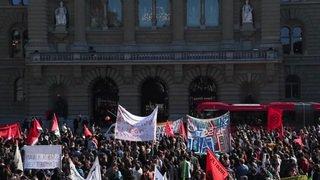 Manifestation pour une éducation forte - Près de 1000 personnes contre le démantèlement de l'éducation