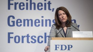 Assemblée du PLR: Petra Gössi, réélue présidente, veut dépasser le PS en 2019