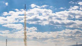 Cernier (NE): une équipe de l'EPFL lance une fusée