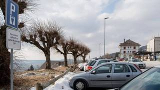 Hauts-Geneveys: 42 places payantes au lieu de 14 gratuites