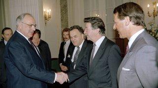 En 1988, René Felber entre au Conseil fédéral