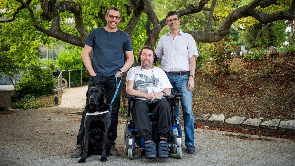 Patrick Mercet, Christian Delachaux et Pascal Lambiel (de gauche à droite) témoignent des difficultés qu'ils rencontrent lors de leurs déplacements urbains.