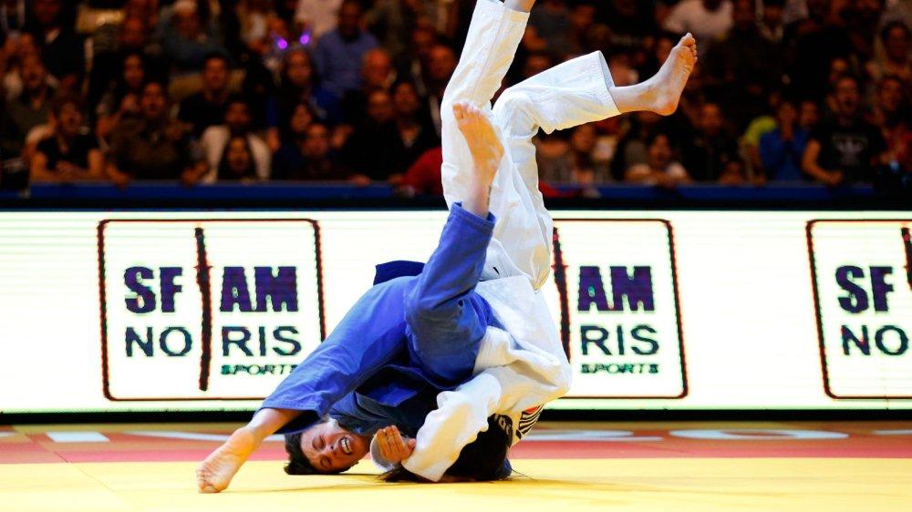 Evelyne Tschopp (en bleu) s'est imposée sur ippon contre l'Israélienne Gefen Primo.