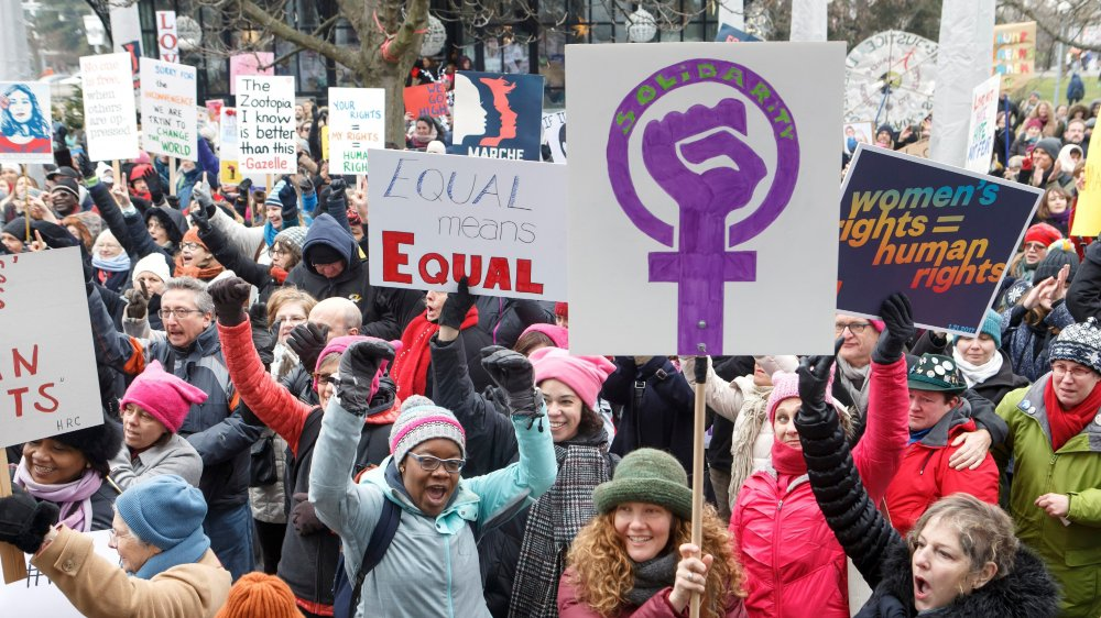 Selon Sylvie Durrer, directrice du Bureau fédéral de l'égalité, les femmes n'ont  pour l'instant gagné que la bataille des valeurs (ici, la Women's March  du 21janvier 2017 à Genève).