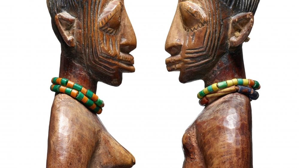 Ces sculptures de l'ethnie nigériane Yoruba, qui datent  du 20e siècle, sont une donation  au Musée d'ethnographie  de Genève.