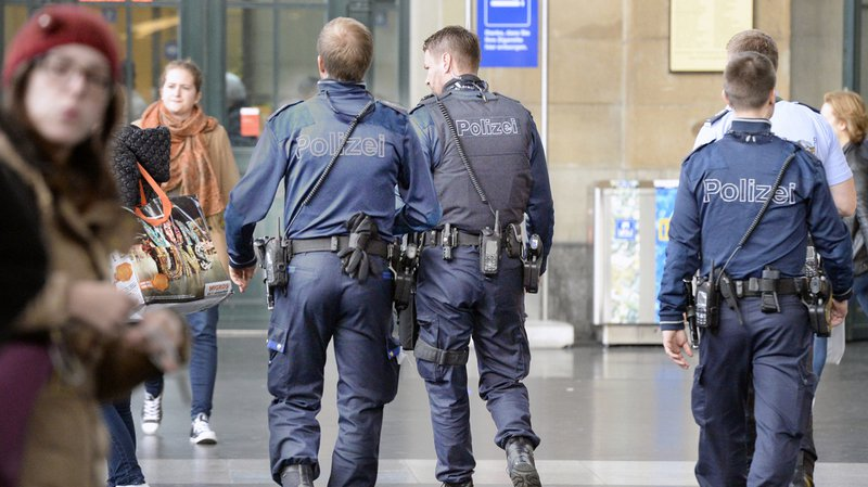 L'UDC zurichoise a déposé une initiative exigeant que les polices du canton précisent dans leurs communiqués la nationalité des auteurs présumés de délits.