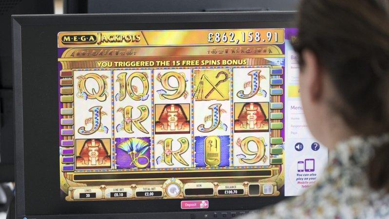 Le peuple suisse se prononce le dimanche 10 juin sur la nouvelle loi sur les jeux d'argent. Elle concerne notamment les casinos en ligne.