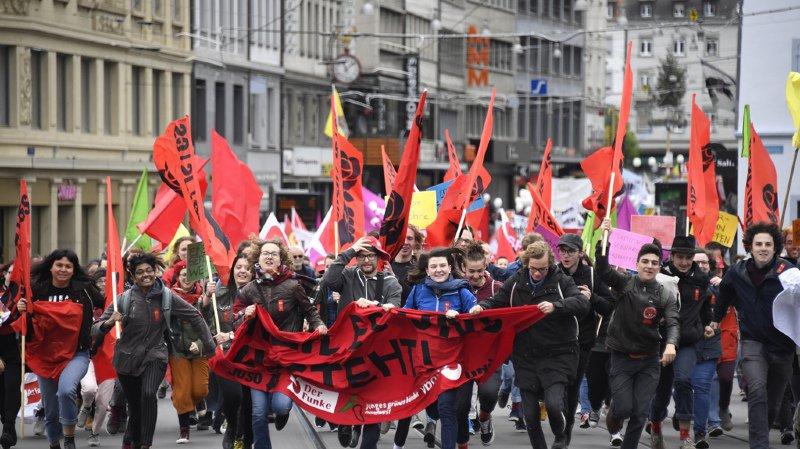 Fête du travail: pour le 1er mai, les Suisses appellent à l'égalité salariale