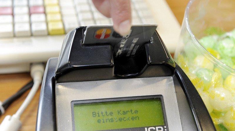 Zurich: par erreur elle paie 7700 francs de pourboire pour trois consommations