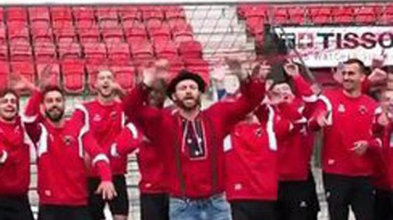 La vidéo a été tournée à la fin d'un entraînement.