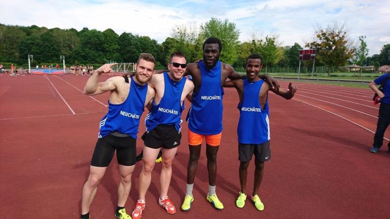 Le relais olympique neuchâtelois avec David Favre, Yannick Lengacher, Lonan Coulibaly et Smon Ghebretsion.