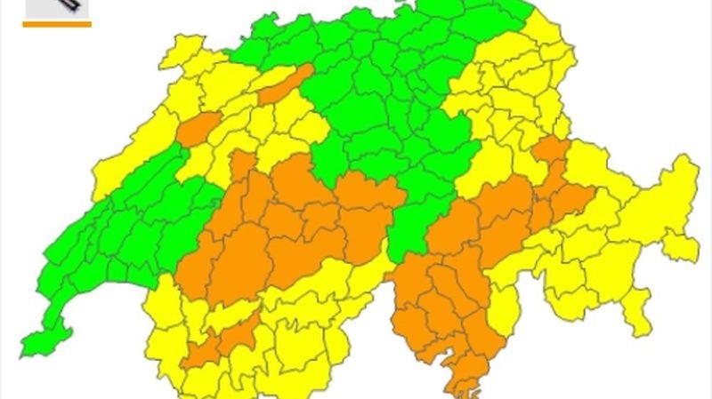 Une partie de l'Arc jurassien, le canton de Berne, le Tessin, une partie des Grisons et la plaine du Rhône présentent un niveau de danger de 3 sur 5.