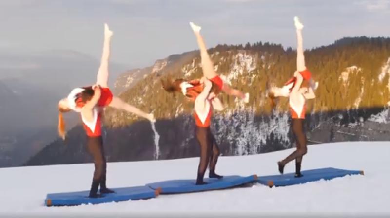 Les gymnastes vaudruziens ont effectué ces portés au bord du cirque.