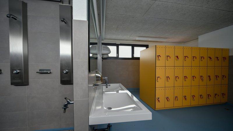 La Chaux-de-Fonds: à peine inaugurés, les vestiaires des Mélèzes sont fermés