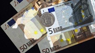 Monnaie: l'euro a brièvement franchi la barre de 1,20 franc jeudi