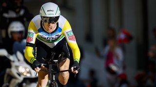 Tour d'Italie: l'Australien Rohan Dennis remporte le contre-la montre de Rovereto, Yates reste en rose