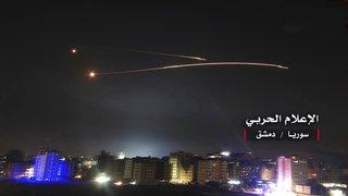 Proche-Orient: Israël répond à des tirs de roquettes en bombardant des cibles iraniennes en Syrie