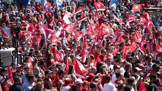 Hockey: l'équipe de Suisse accueillie par des milliers de fans à Kloten