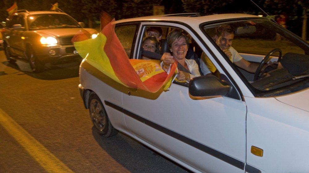 En 2010 à Neuchâtel après la finale entre les Pays-Bas et l'Espagne, qui avait gagné 1 à zéro. Dans la voiture, les fans ont le droit de manifester leur joie avec coups de klaxon et drapeaux pendant une heure. En respectant les règles de circulation.