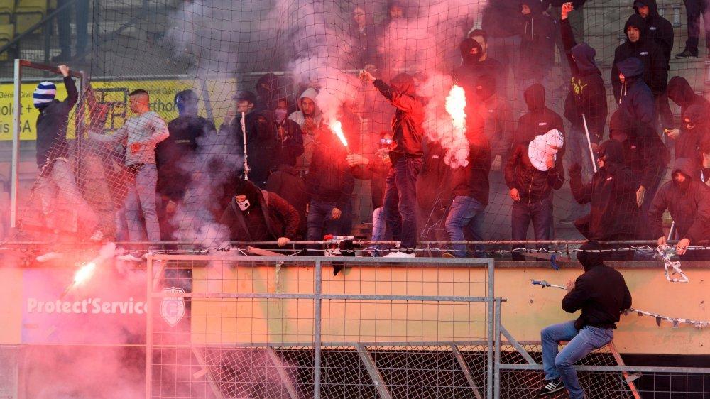 La violence des hooligans s'est déplacée dans d'autres endroits, en raison de la présence de la police dans les stades, notamment.