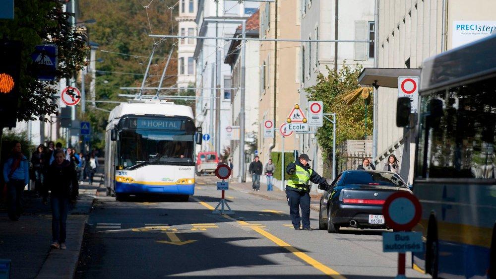 Lors de la mise en trafic réservé aux bus en 2009.