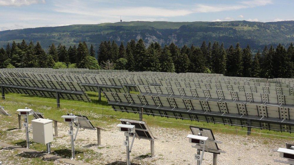 La centrale de Mont-Soleil, mise en service en 1992, fonctionne encore avec les modules solaires d'origine.