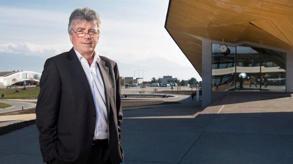 Patrick Aebischer, en 2016,  sur le campus de  l'Ecole polytechnique  fédérale de Lausanne,  quand il en était encore  le patron.