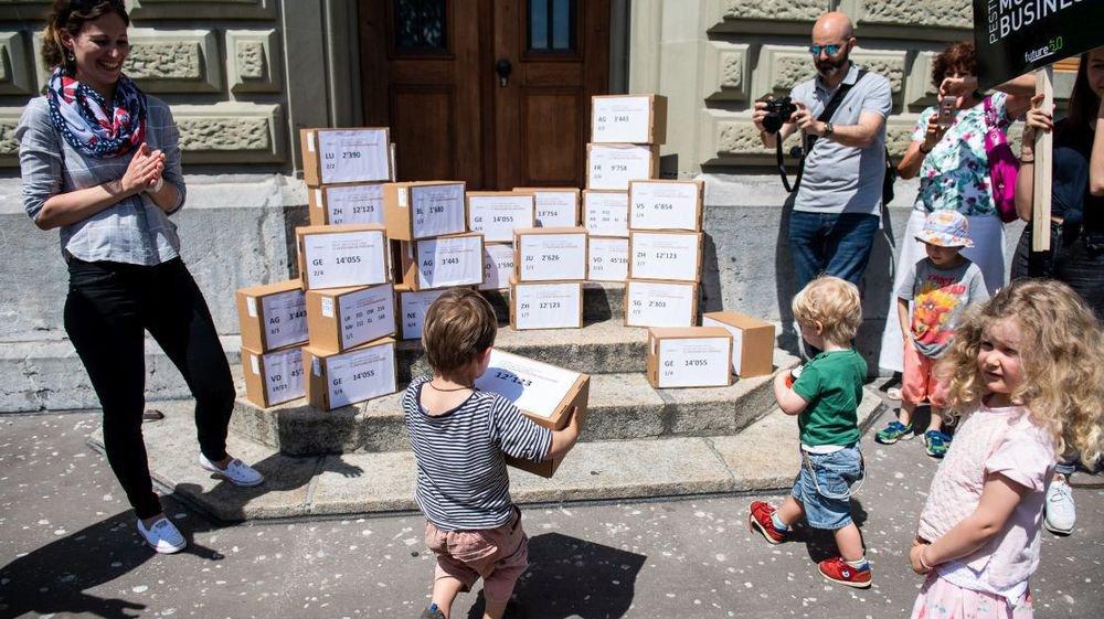 La génération montante a participé au dépôt, à Berne, de l'initiative contre les pesticides de synthèse.