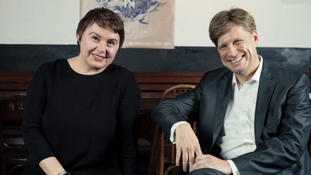Tout sourire, le chef de l'ESN Alexander Mayer et la soprano Irina Solomatina Tissot ont présenté la nouvelle saison.