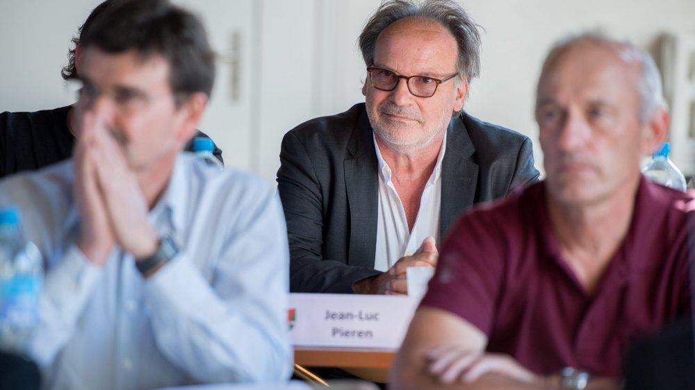 Le groupe UDC a renoncé à présenter un autre candidat que Jean-Luc Pieren (au centre) à la vice-présidence du bureau du législatif.