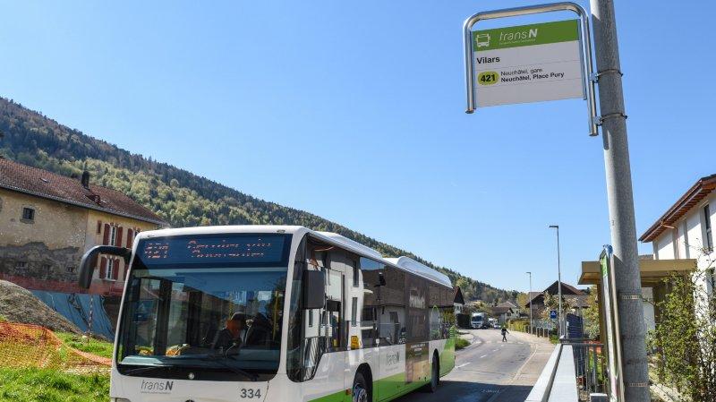 Manif pour sauver la ligne de bus 421 qui relie Neuchâtel au Val-de-Ruz