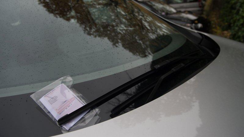 Les amendes supérieures à 100 francs peuvent être recouvrées grâce à la collaboration entre les polices des cantons suisses et française.