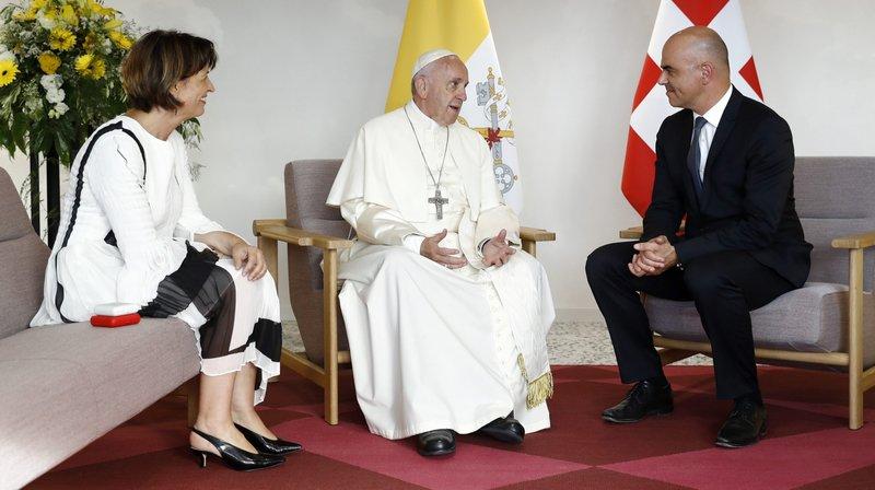 Le pape François a rencontré les conseillers fédéraux Doris Leuthard et Alain Berset.
